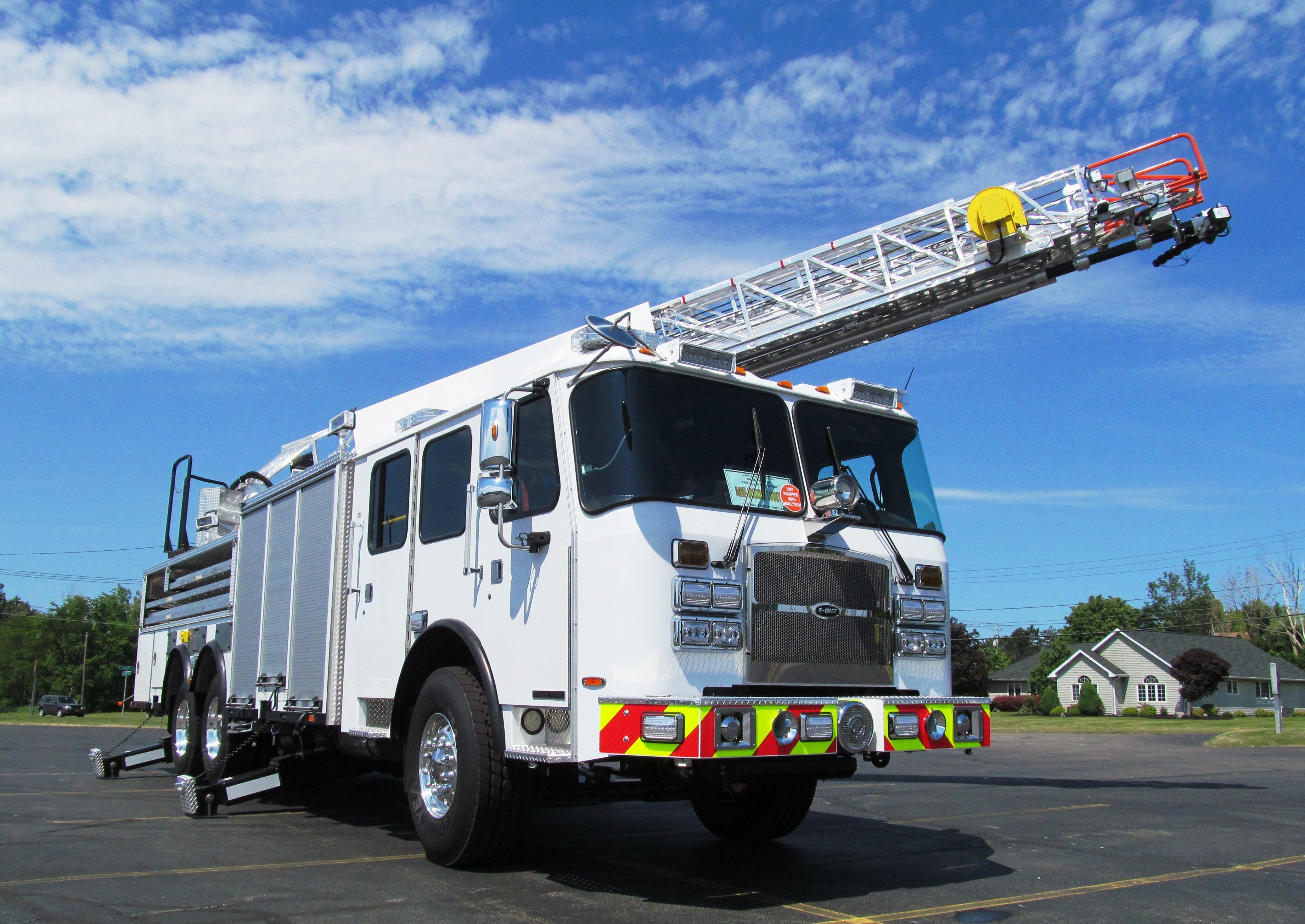anne arundel county fd s new e one stainless steel body aerial. Black Bedroom Furniture Sets. Home Design Ideas